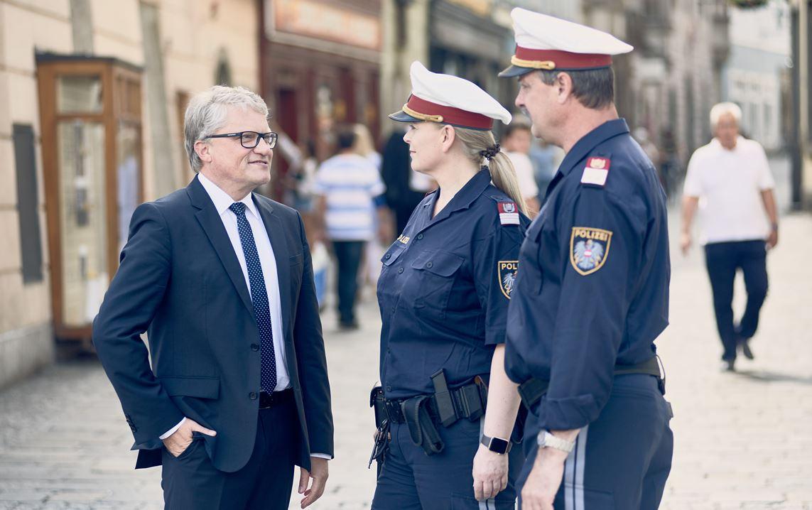Beste Polizeichef Wieder Proben Bilder - Beispielzusammenfassung ...